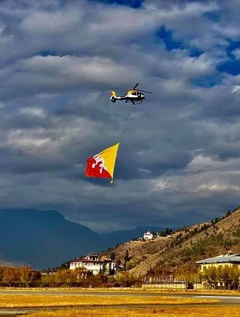 We are a proud country in the Himalayas ' Bhutan '  We may be a little Kingdom, with a very small population BUT we are happy , peaceful and safest country as well as decent lifting standard 💕  # travel  #bhutan  #bhutantours  #bhutanvisa  #travels  # yelhabhutan  # bhutantravel
