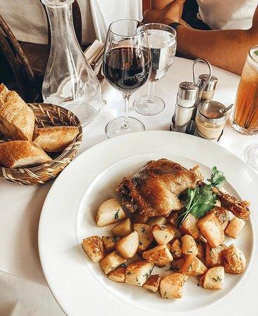 Confit de Canard & pommes sautées.🍗 ▪️ Merci @katyandparis ▪️ ▪️ ▪️ #lunch #instagood #photooftheday #beautiful #picoftheday #food #restaurant #chef #dejeuner #paris #generallafayette #yummy #foodporn #foodie #foodphotography #instafood #foodstagram #foodlover #foodgasm #foodpics #tasty #delicious #lunchtime #workinglunch #traditionalcook #frenchfood #confitdecanard