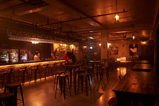 Charles & Bobby Pub and Bar