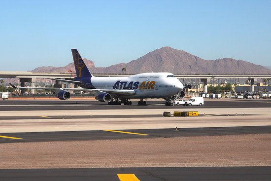 United Airlines: UA1280 Phoenix to Chicago 737-900ER (N38467) FC Seat 3A - Takeoff from PHX