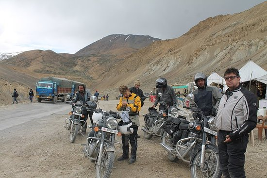 11-Day Private Motorbike Tour Over the Highest Roads in Ladakh