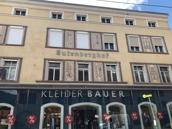 Wohn- und Geschäftshaus, Fabriziushaus