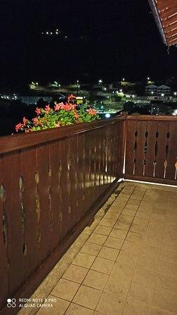 Etroubles, Ιταλία: Di notte , dal terrazzo della camera ...