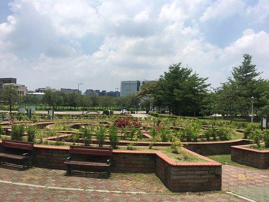 Buzi Park