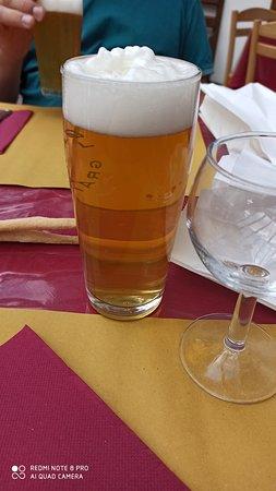 Etroubles, Ιταλία: Birra artigianale locale alla spina ...