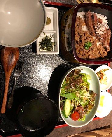 神戸牛まぶし赤身ステーキ