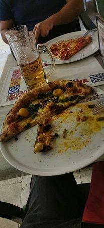 Pizza molto buona
