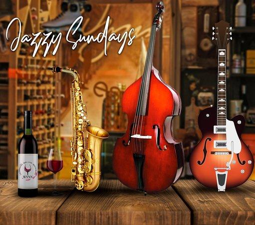 Savourez nos plats et vins exquisites au rythme d'une douce Jazzy musique dans une ambiance familiale. Les Jazzy Sundays c'est tous les dimanches à partir de 17h. Info & Résa : 0661472501 Le Wynn, c'est la famille.