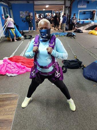 Tandem Skydive a 14,000 pies sobre el oeste de Georgia: My super great diving harness, courtesy of my AMAZING sky dive tandem trainer, Kiser.