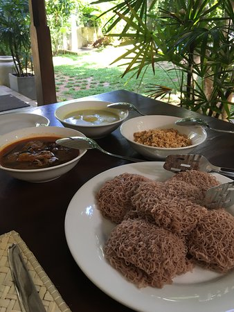 Breakfast : String Hoppers, Fish curry, White potato curry & Coconut Sambal