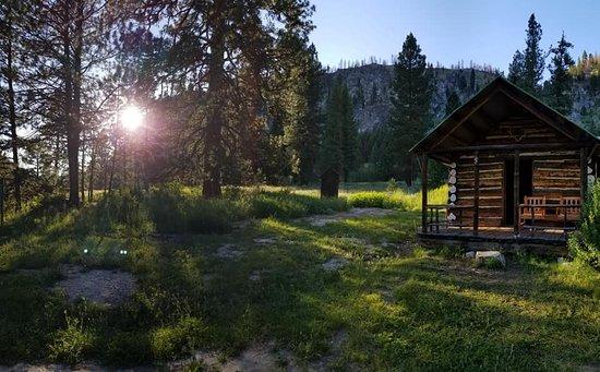 Lowman, ID: Our cozy little cabin