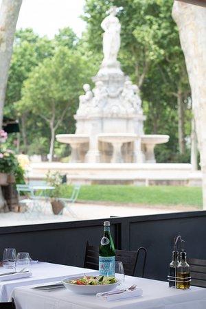 En terrasse, sur la Place Marechal Lyautey