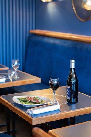 déjeunez au Café du Pond, notre Cheffe vosu propose son menu du jour, ou son menu à la carte aux fils des saisons.