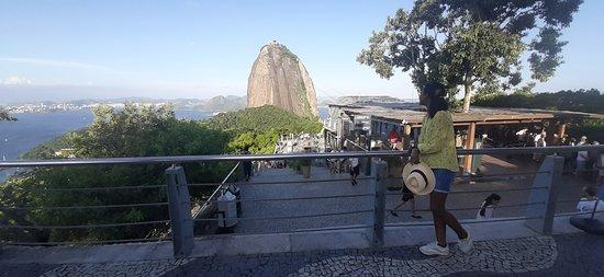 ריו דה ג'נרו, RJ: Visite du Pain de Sucre en passant par la randonnée Morro da Urca. Le Pain de Sucre une des visites incontournables à Rio de Janeiro. #francerio