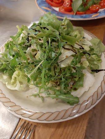 Puchheim, Germany: Salata