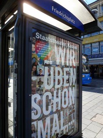 Das kann man auf einen Spaziergang über die Einkaufsstraße in Kassel, sehen...