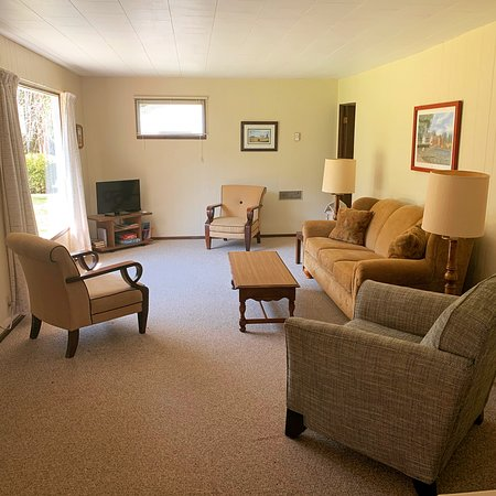 Example Of Living Room In Our Three Bedroom Cottages This Is Meadow View 2 Picture Of Ephraim Village Cottages Tripadvisor
