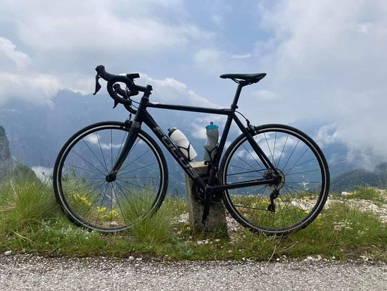 Mongart saddle, another ideal place to visit with our race bike. solid and light. on on.