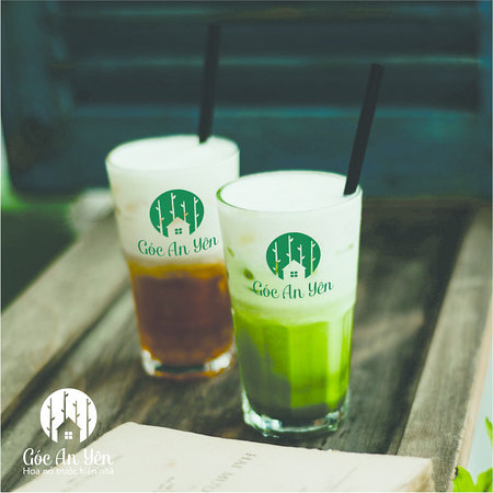 Enjoy the cool drinks with two special recipes at Goc An Yen are Green tea with milk foam and Chocolate mint milk foam.