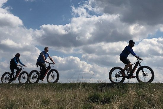 FAT-TIRE E-bike tour to Unetice brewery