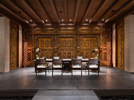 The Apurva Spa Treatment Room - Reception