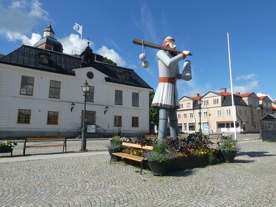 """Statyn """"Ture Lång"""""""