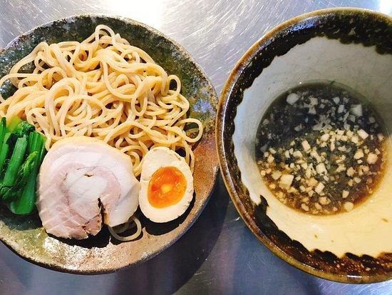 散らし寿司、スパゲティ、刺身、寿司、天ぷら、ラーメン、つけ麺
