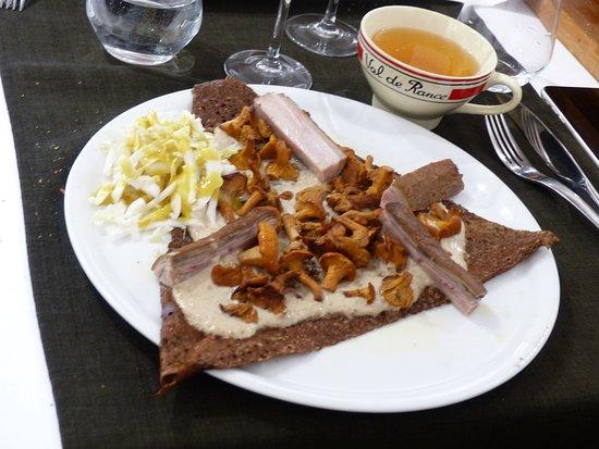 Galette de sarrasin bio AB crème de cèpes de Sologne, girolles de Sologne, Guémenoise de La Table de l'Argoat