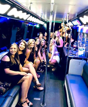 30a Party Bus (up to 24 ppl ) / karaoke bus