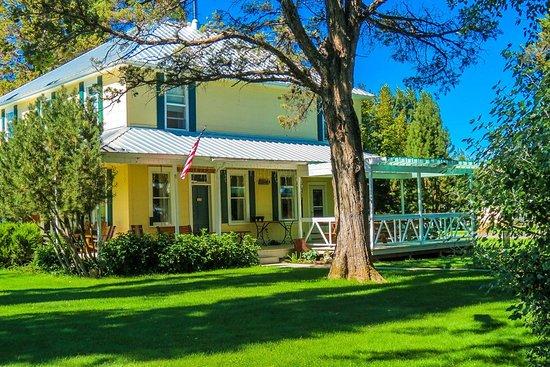 Long Hollow Guest Ranch