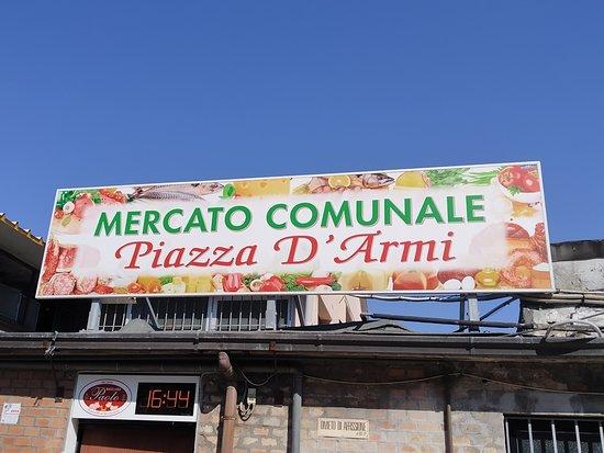 Mercato Comunale Piazza d'Armi