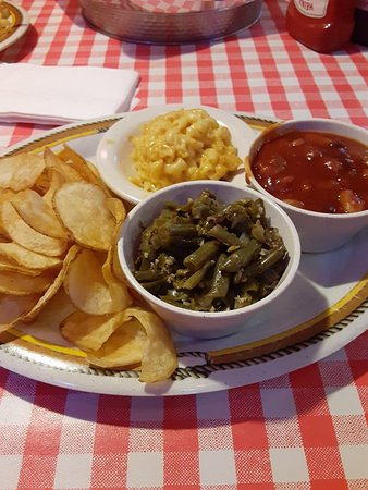 Barn chips , green beans,  mac and cheese  and smokehouse beans.