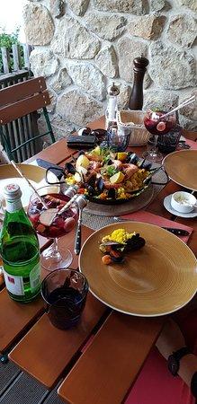 Bodega y Amigos: Paella