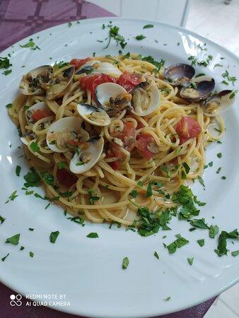 Spaghetti alle vongole e ciliegino