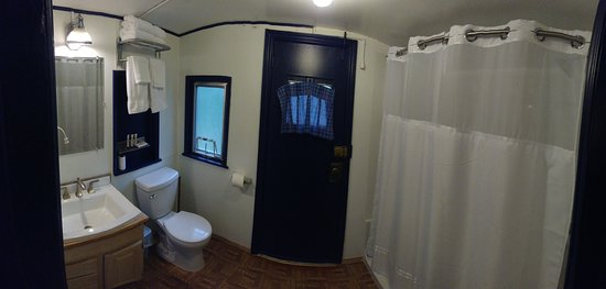 Great Northern caboose bathroom