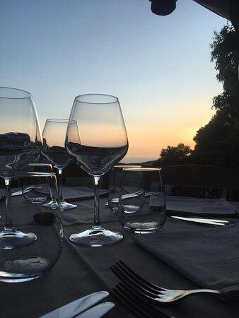 Bicchieri ed orizzonte