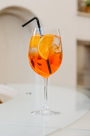 You can never go wrong with some Aperol Spritz