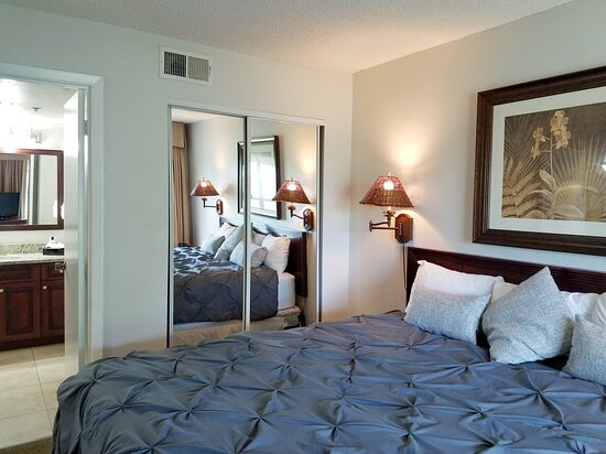 One Bedroom Deluxe Suite - Master Bedroom