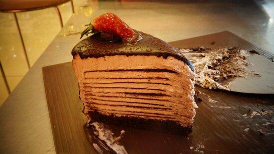 Strawberry Crepe Cake Cirebon