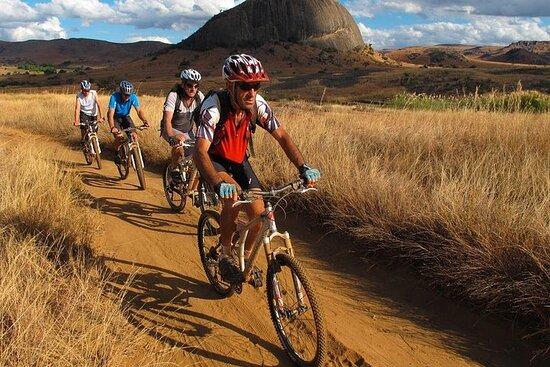 Circuit Aventure en VTT au Sud de Madagascar 16 jours 15 nuits