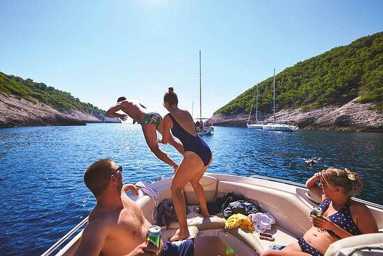 Excursión en barco dividido de 3 islas...