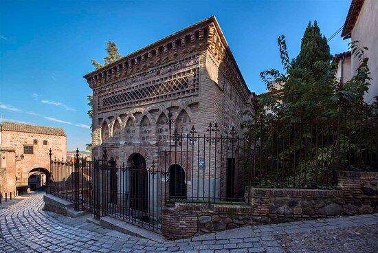 טולדו, ספרד: Mezquita de Bab al Mardum - Cristo de la Luz Ruta Toledo Tres culturas, iglesias, mezquita y sinagogas.