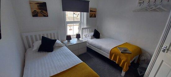 Room 4 - En-suite twin room
