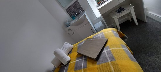 Room 3 - Single room with private facilities