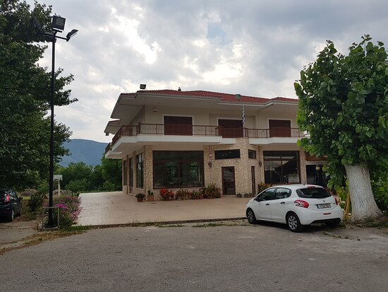 Stymfalia, Hellas: Ο Τριαντάφυλλος