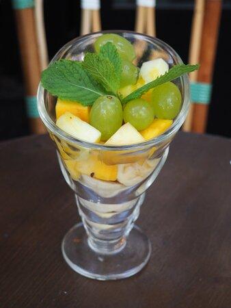 Coupe de fruits frais - Yaai Thaï Daguerre Paris 14 - Thaï street food