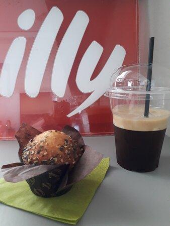 Freddo Espresso with Illy coffee and Pistachio muffin!!