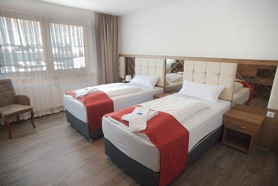 Obertshausen, Γερμανία: Lehnen Sie sich zurück und entspannen in unseren Deluxe Zimmern.