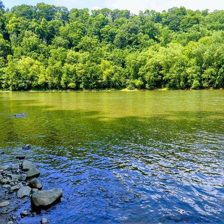 Smithton, Pensilvânia: Yough river