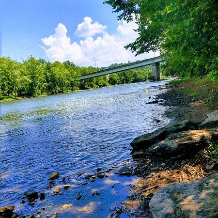 Smithton, Pensilvânia: Youghiogheny Rivet
